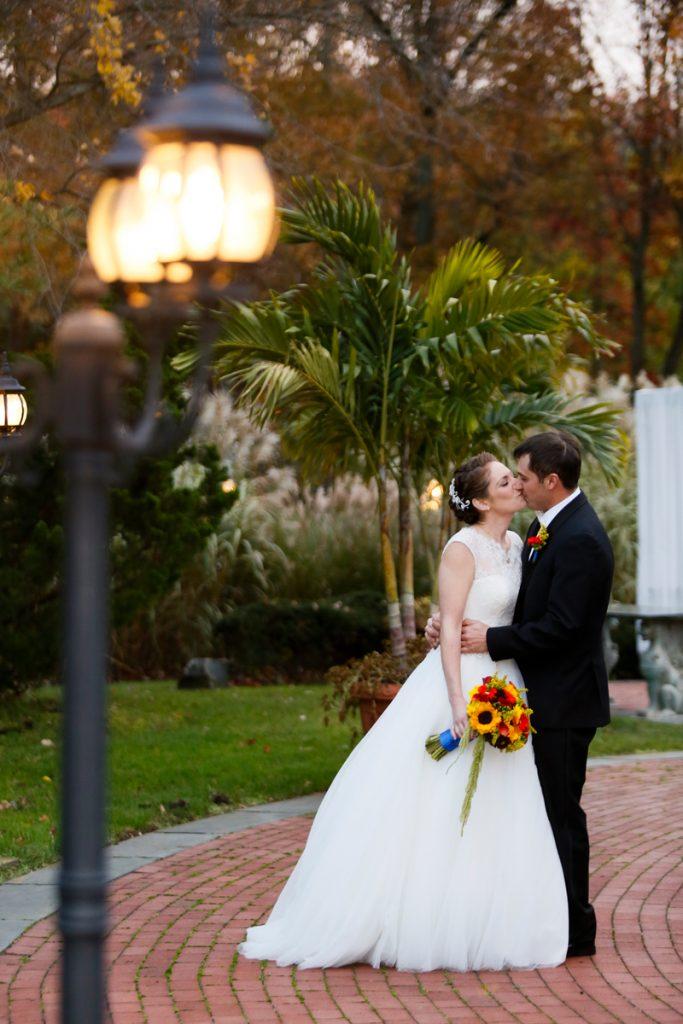autumn bouquet, fall bouquet, sunflowers, bridal bouquet, groom boutonniere, fall boutonniere, mango calla lilies, hanging green amaranthus, long island weddings