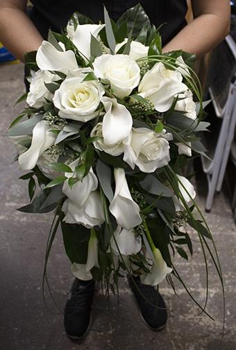 cascading bridal bouquet, roses, mini calla lilies, bridal bouquet, long island wedding, marina del rey, calla lilies, roses